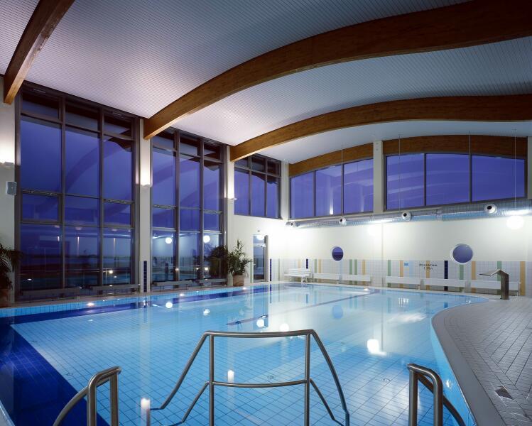 öffentliche Schwimmbecken