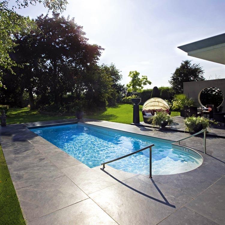 Schwimmbad03