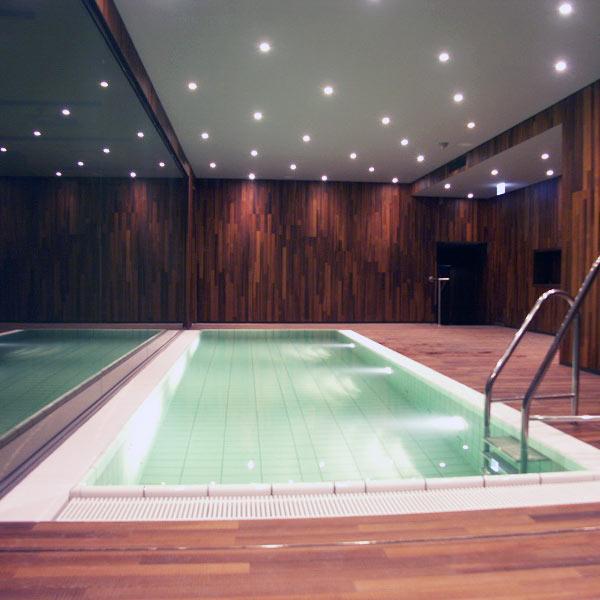 Schwimmbad08